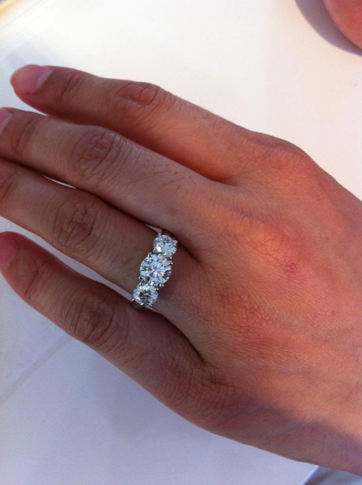 愛はお金で買えない、3千万円の婚約指輪が無駄になった話
