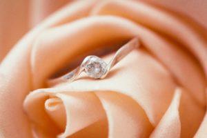 大切な人にもらった婚約指輪